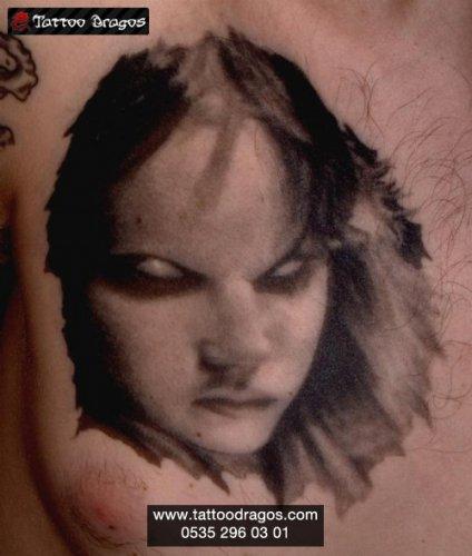 Canavar Kadın Tattoo