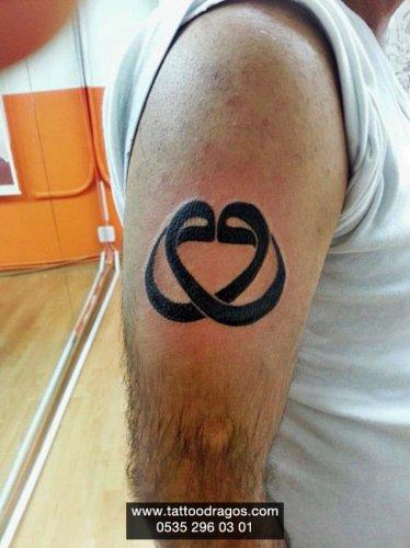 Çift Vaf Harfi Tattoo