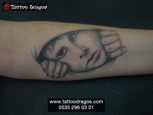 Gölgeli Çocuk Tattoo