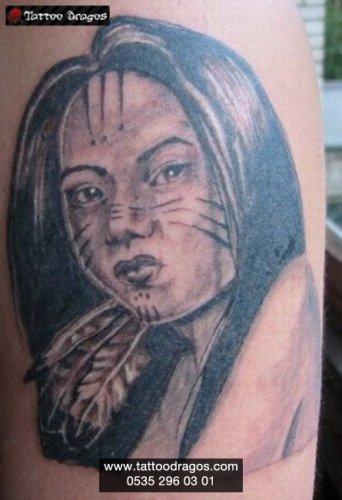Kızılderili Kadın Tattoo