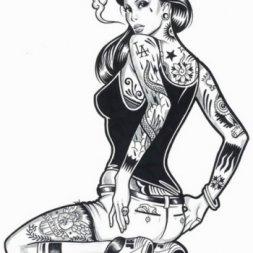 Dövmeli Kadın Resim Modeli